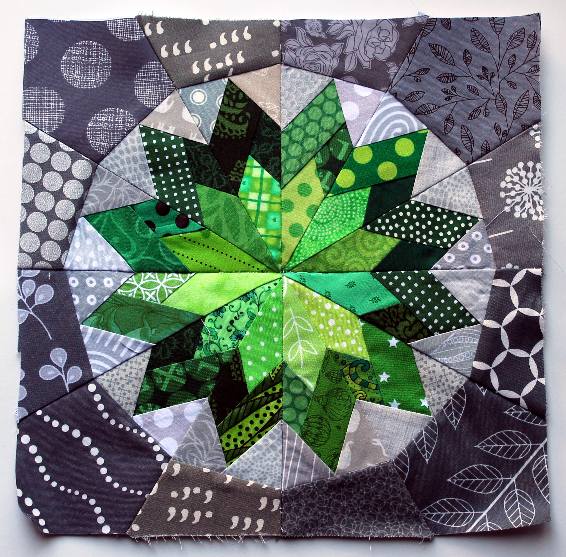 Paper Piece Quilting Instructions: The Fabulous Penny Lane €� Paper Piecing Monday