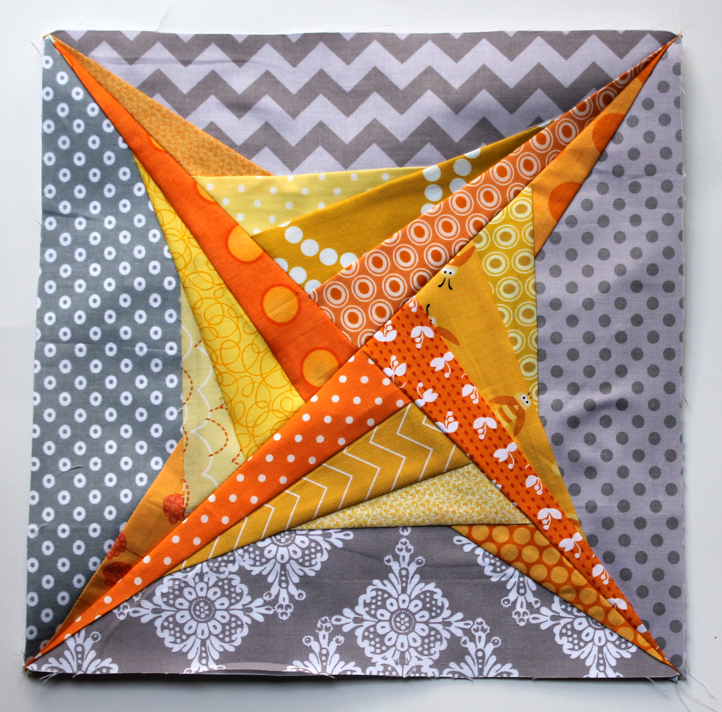 Paper Piece Quilting Instructions: Paper Piecing Monday Presents Zeppelin