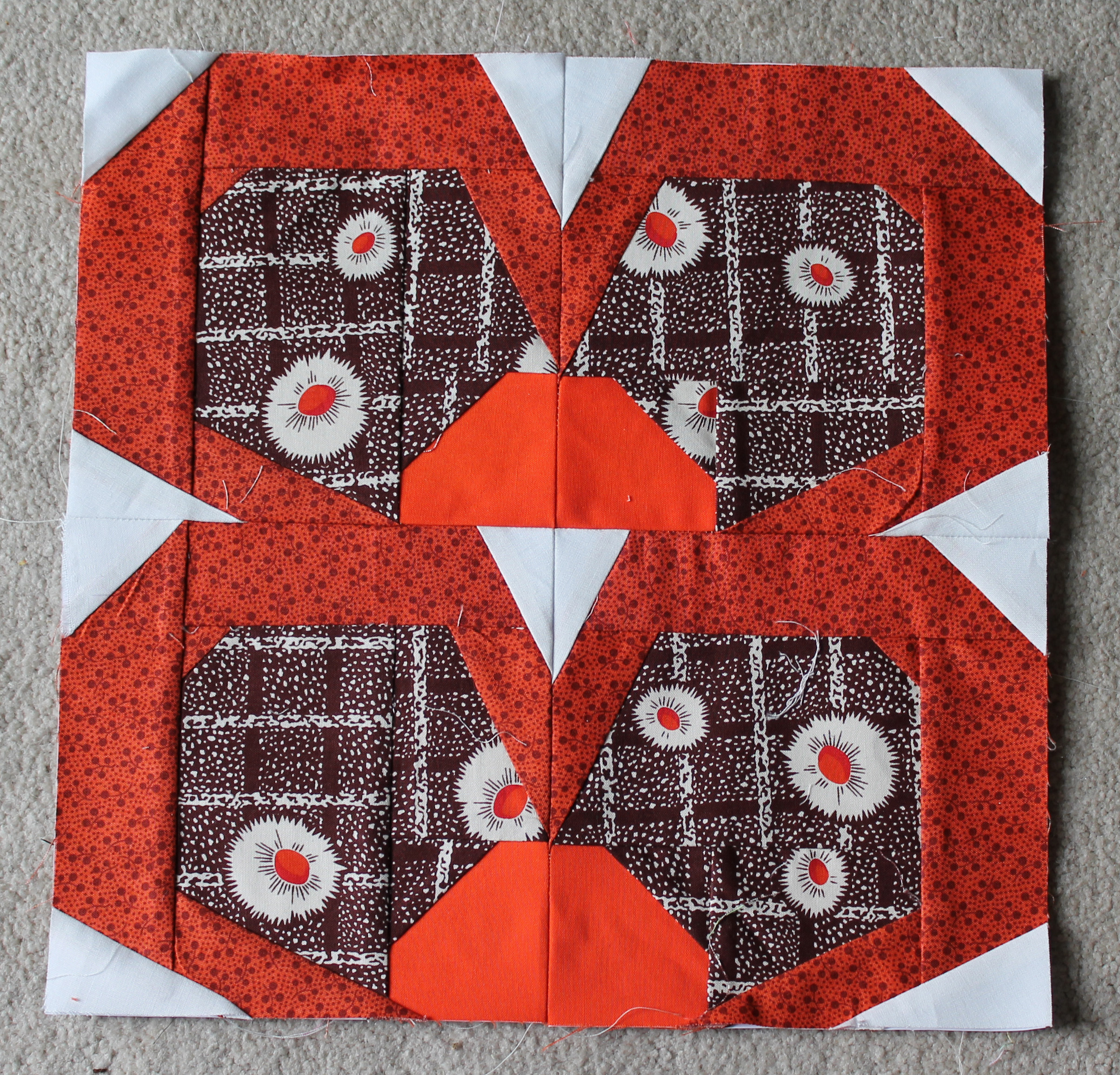 Floral quilt wombat quilts so here is what a weeks worth of of zakka flowers looks like denyse schmidt paper pieced flowers mightylinksfo