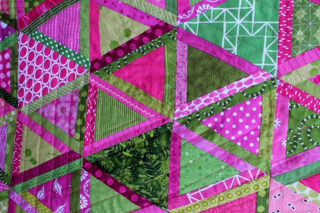 finished triangle quilt quilting detail