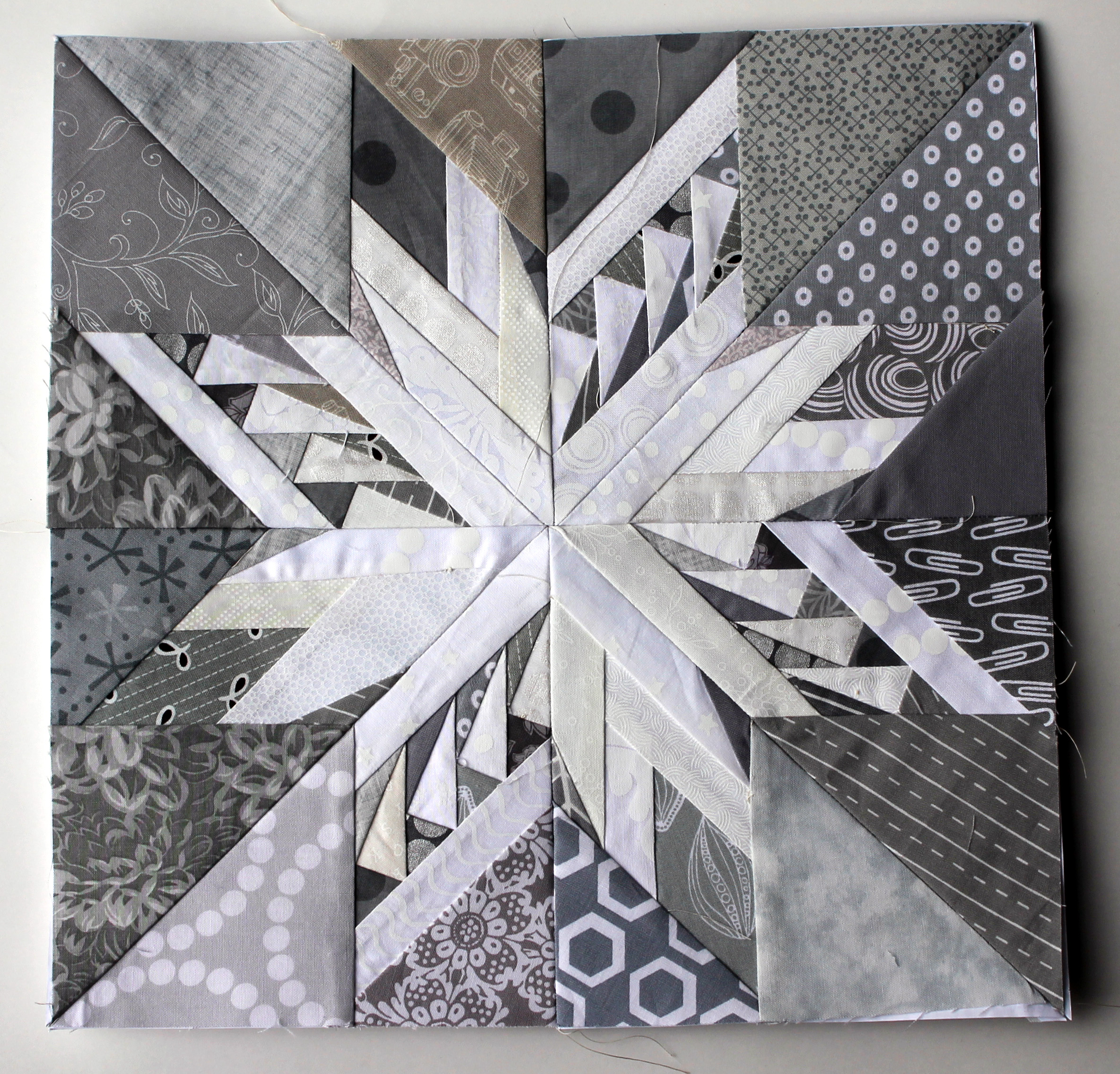 Snowflakes Paper Piecing Monday Style Wombat Quilts