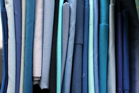 blue fabric pull