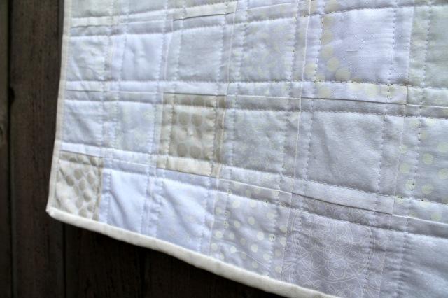 white quilt detail 2