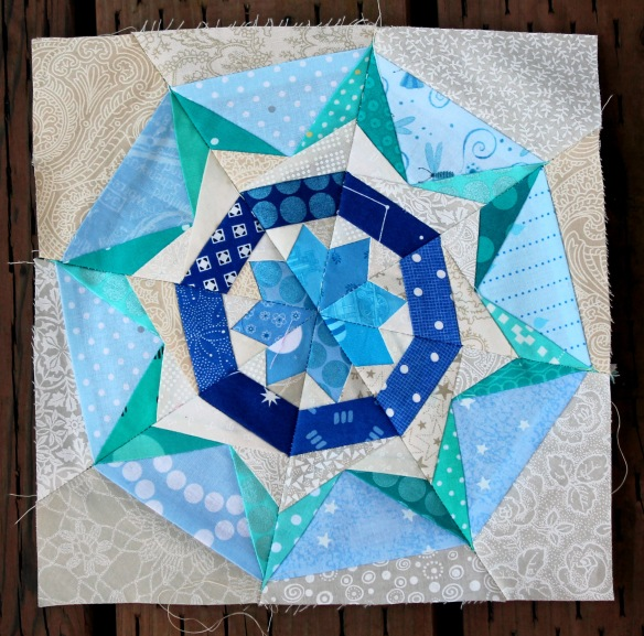 Free Star Flower Quilt Patterns : Paper piecing Wednesday!!!! WOMBAT QUILTS