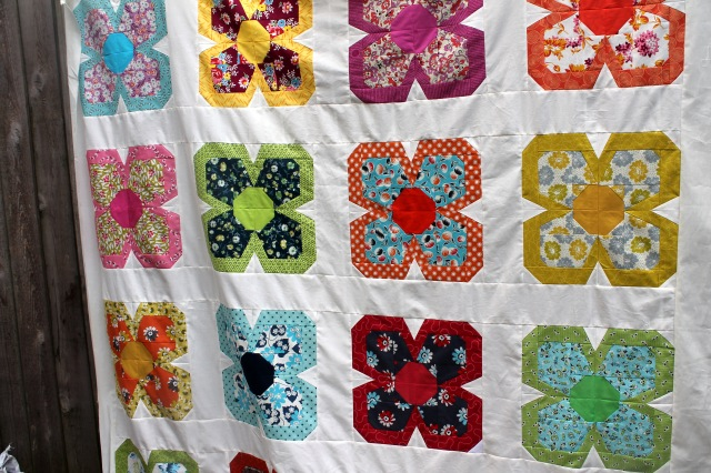 Zakka flower quilt top detail 2