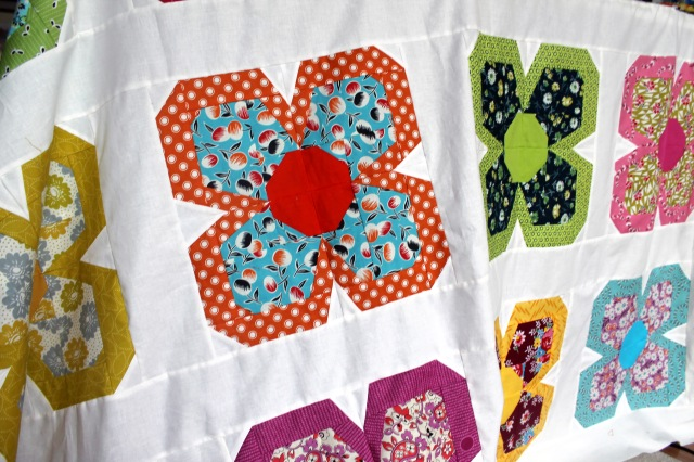 Zakka flower quilt top detail 3