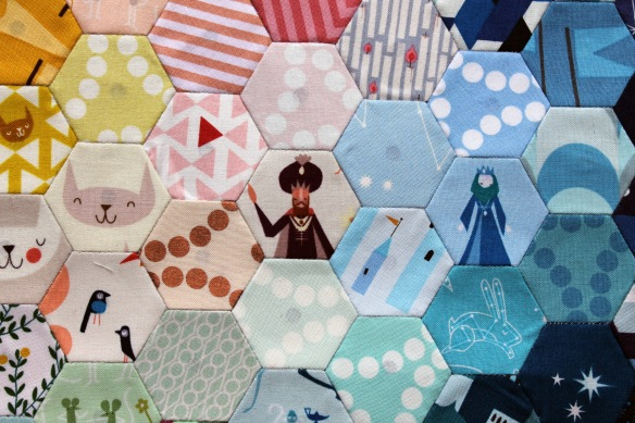 lizzy house hexagon cu