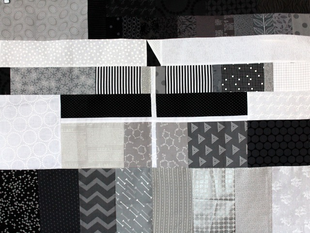 WQ grey card quilt
