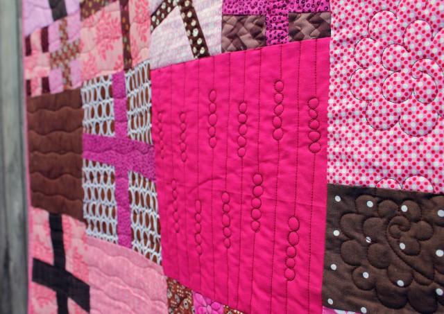 pink cross quilt detail 4