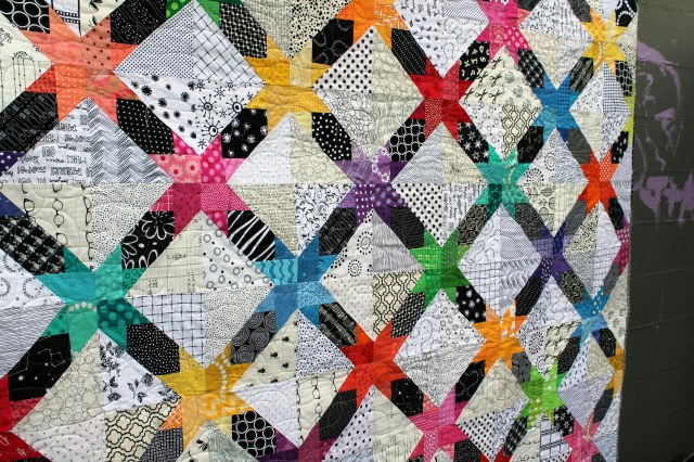 star cross quilt detail 3