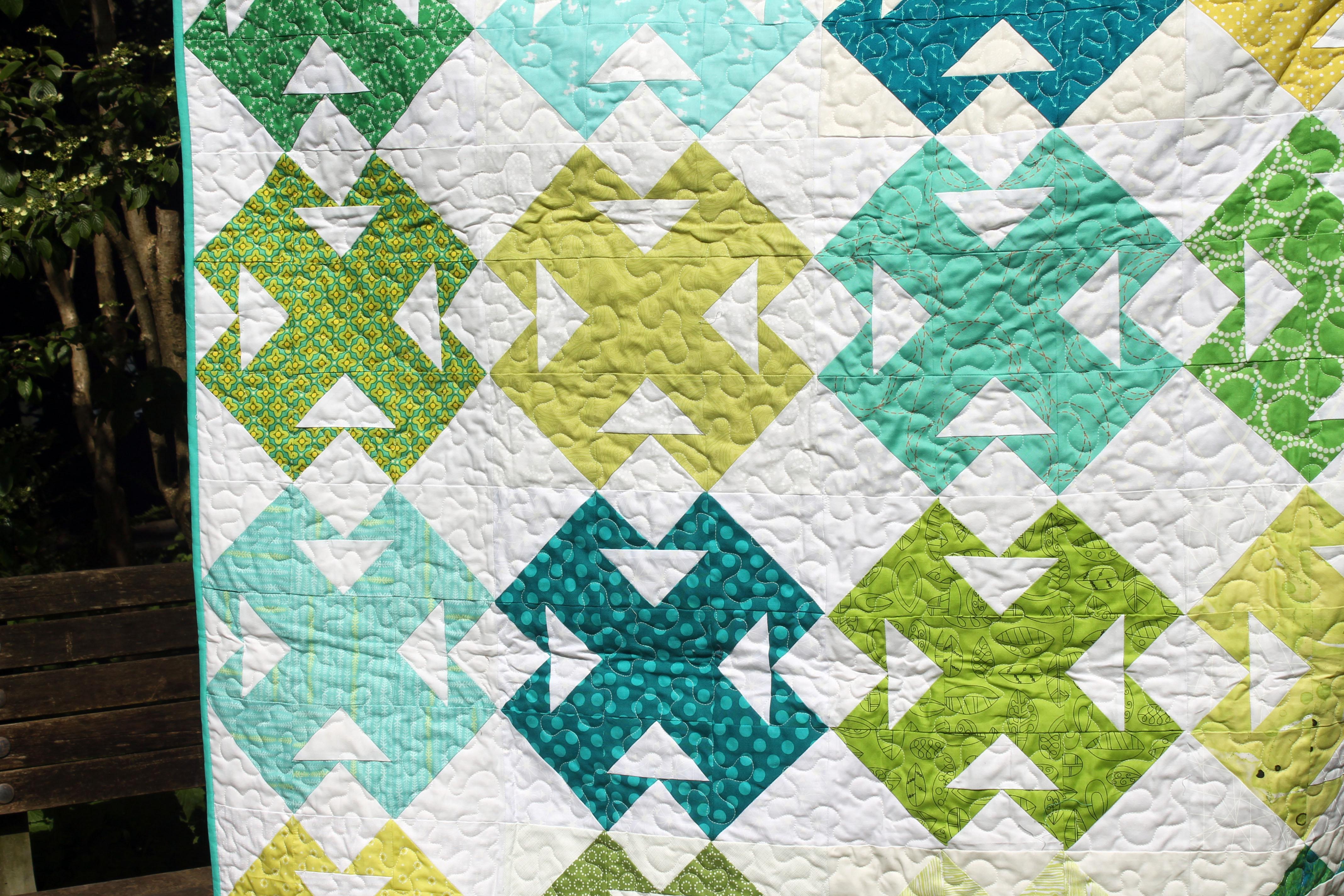 green quilt detail 4